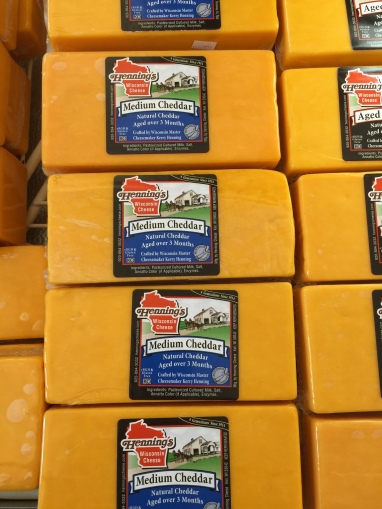 hennings award winning medium cheddar