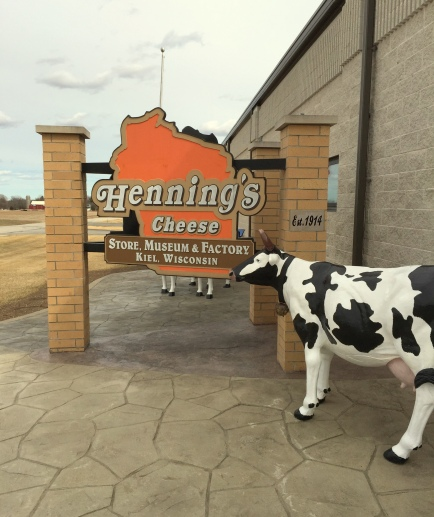 Hennings Cheese sign